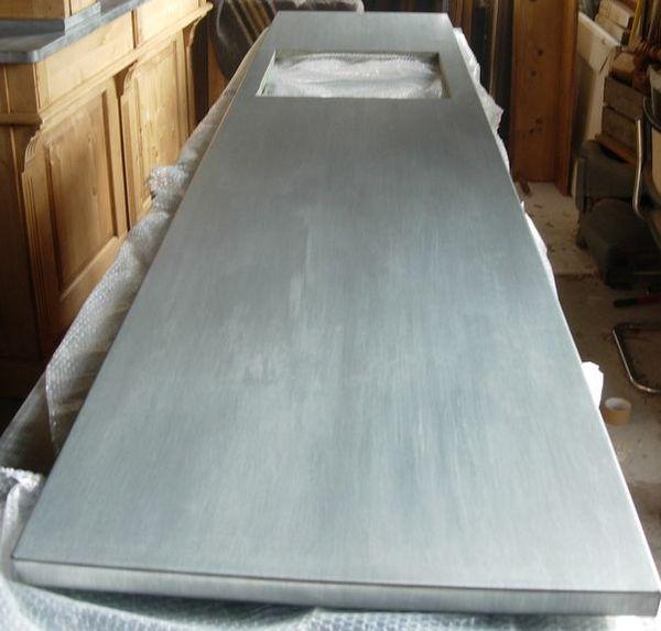 Plan de cuisine en zinc plan de travail zinc - Largeur d un plan de travail cuisine ...